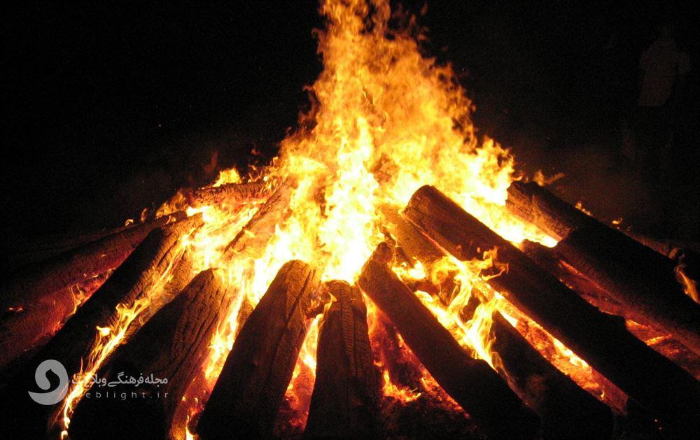 آتش در جشن سده